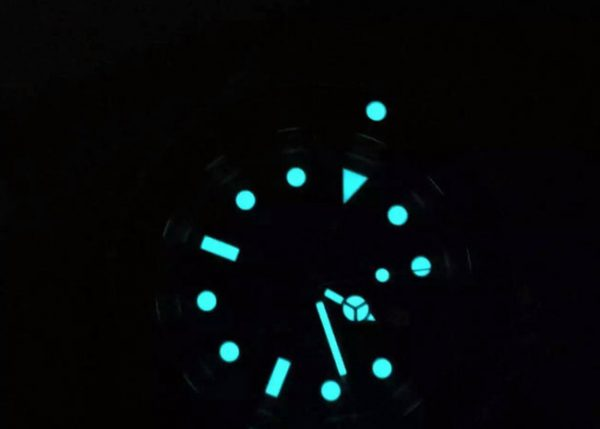 Rolex submariner green hulk rubber b