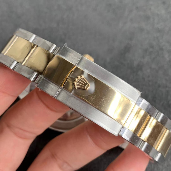 Rolex Datejust gold dial roman 32mm