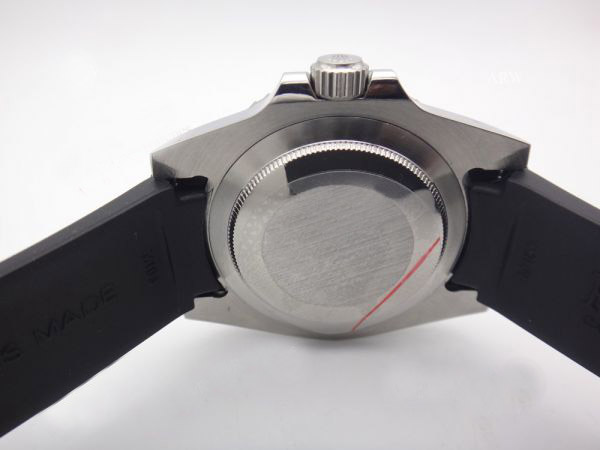 Rolex submariner black rubber b