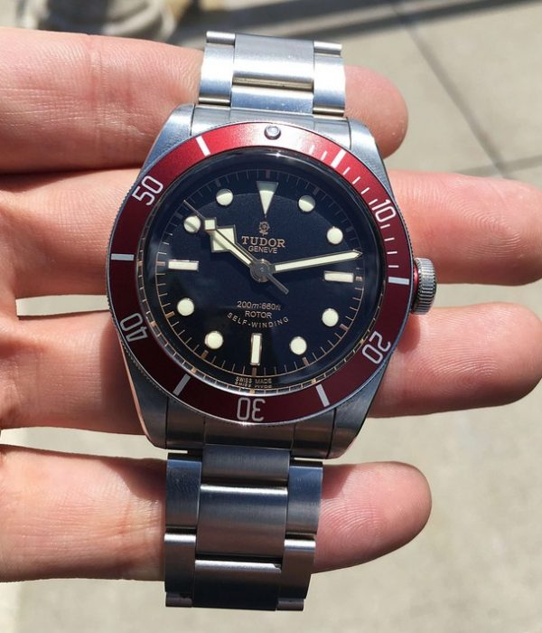 Tudor Heritage black bay red