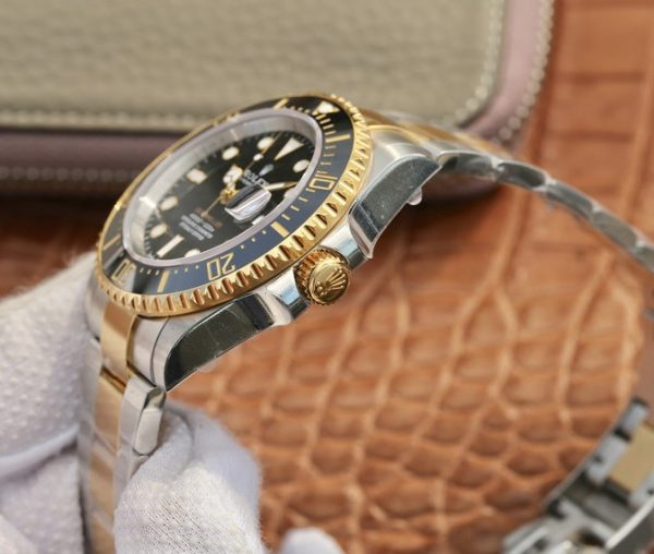 Rolex sea dweller 4000 gold